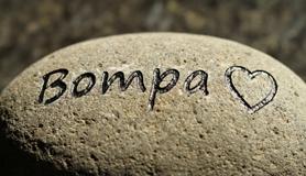 Gravure steen Bompa